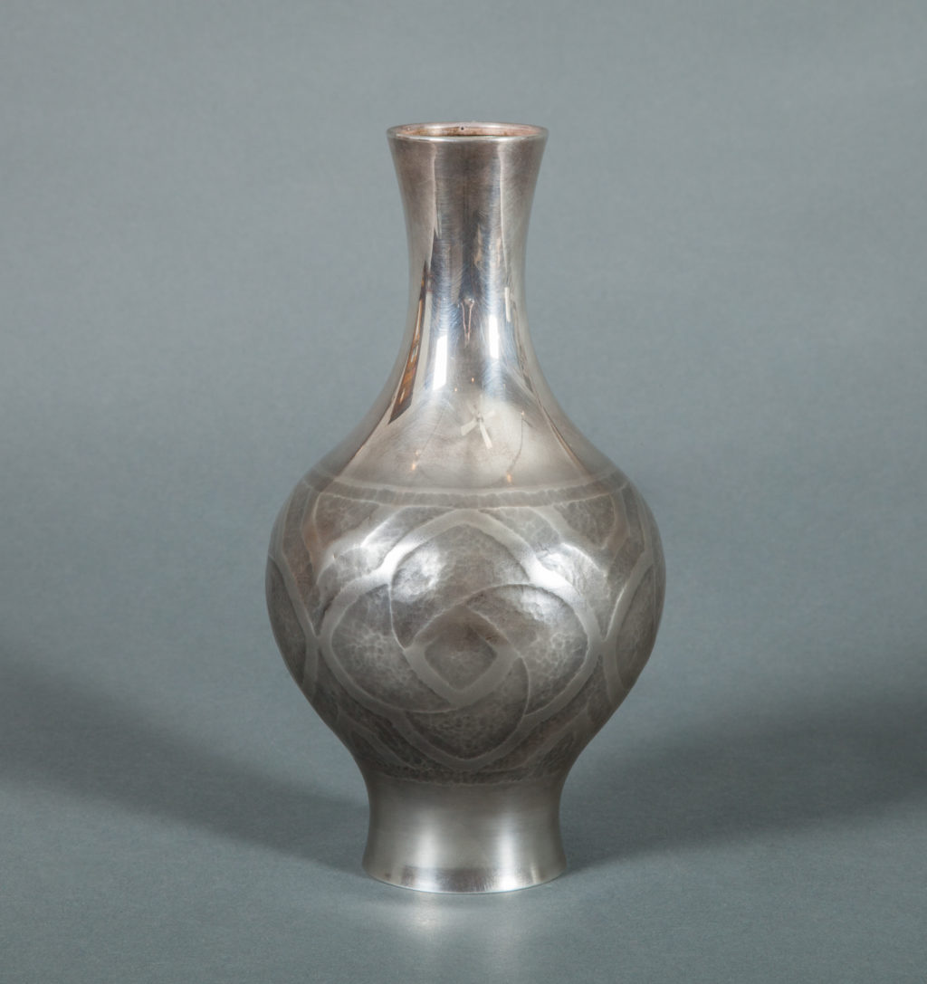Japanese Vase in Pure Silver.