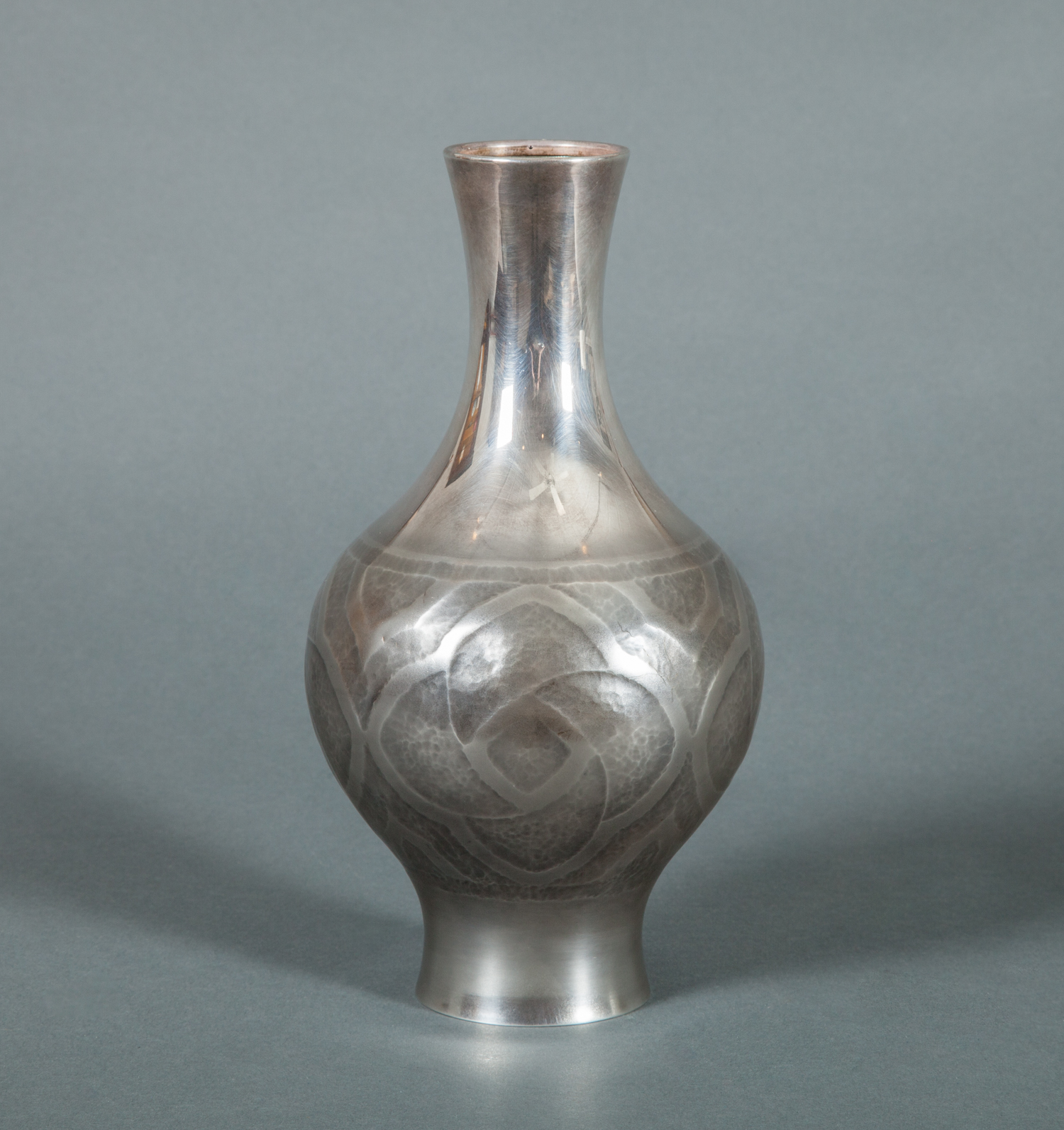 Japanese Vase in Pure Silver
