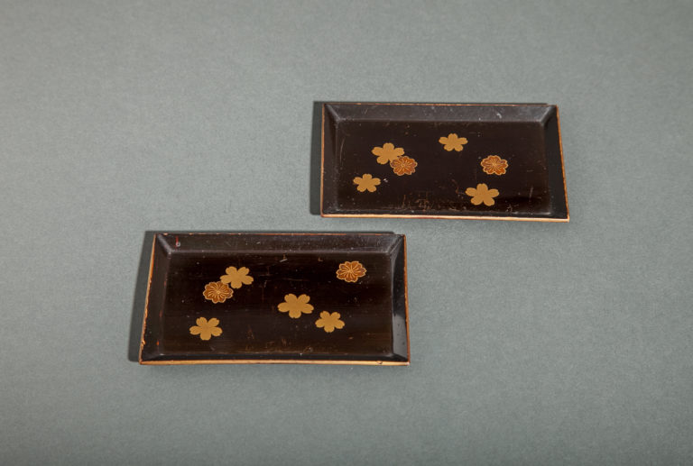 Pair of Nashiji (Card Trays)