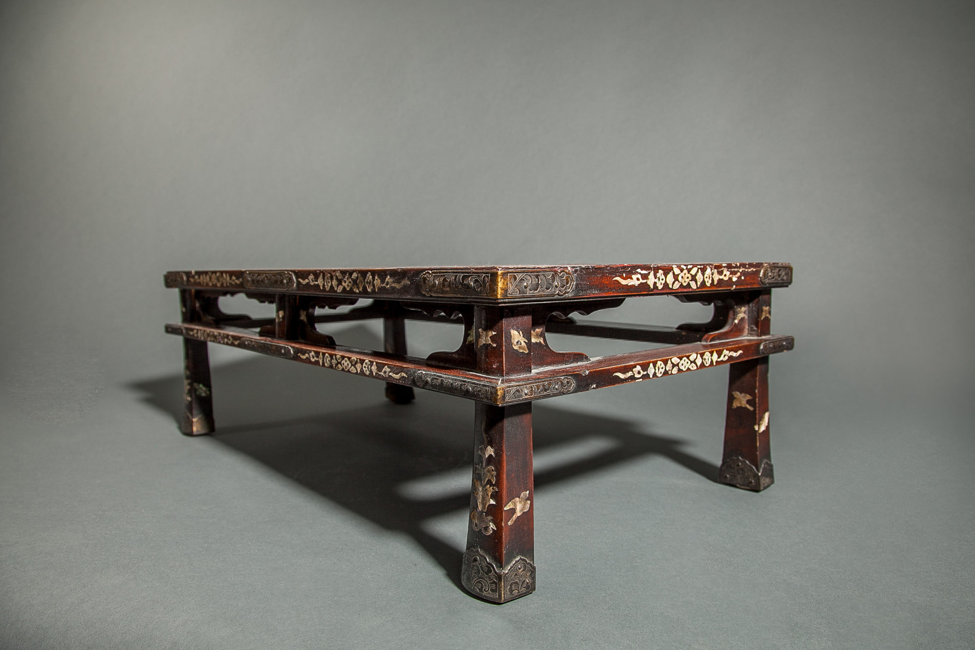 Persimmon Lacquer Table (Presentation Stand)