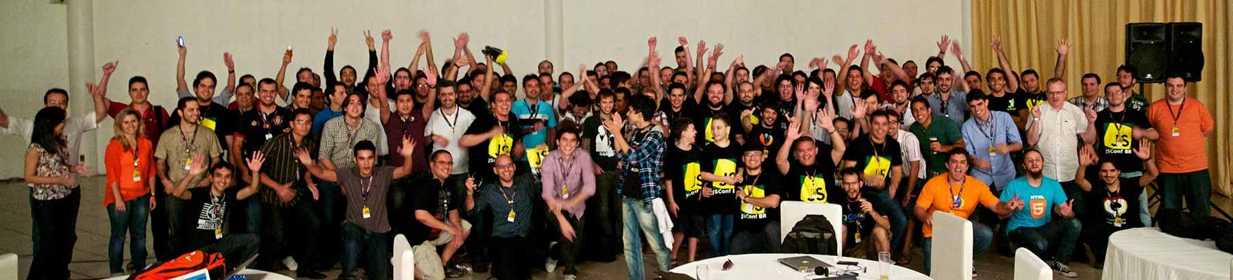 Foto dos participantes da JSConf BR 2013