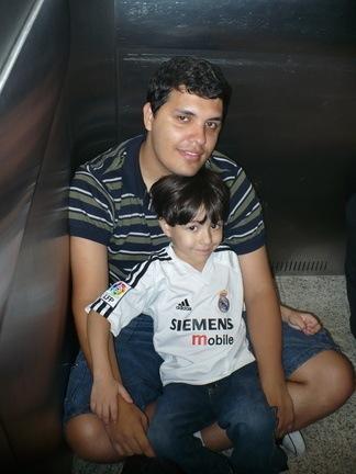Presos no elevador ~ Nando & Gustavo
