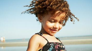 Уход за детскими волосами за кудряшками