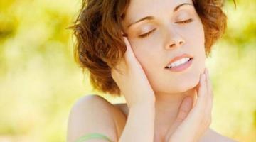 Красота и блеск: что такое сухое масло для волос и как им пользоваться?
