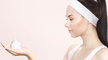 Как правильно использовать мусс для укладки волос