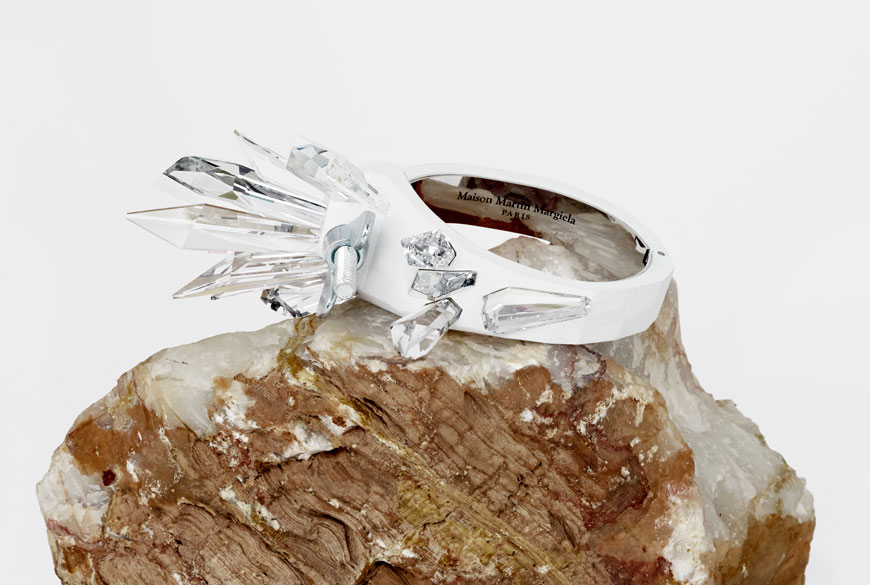 Neonscope innovative swarovski jewelry by martin margiela for Atelier swarovski by maison martin margiela