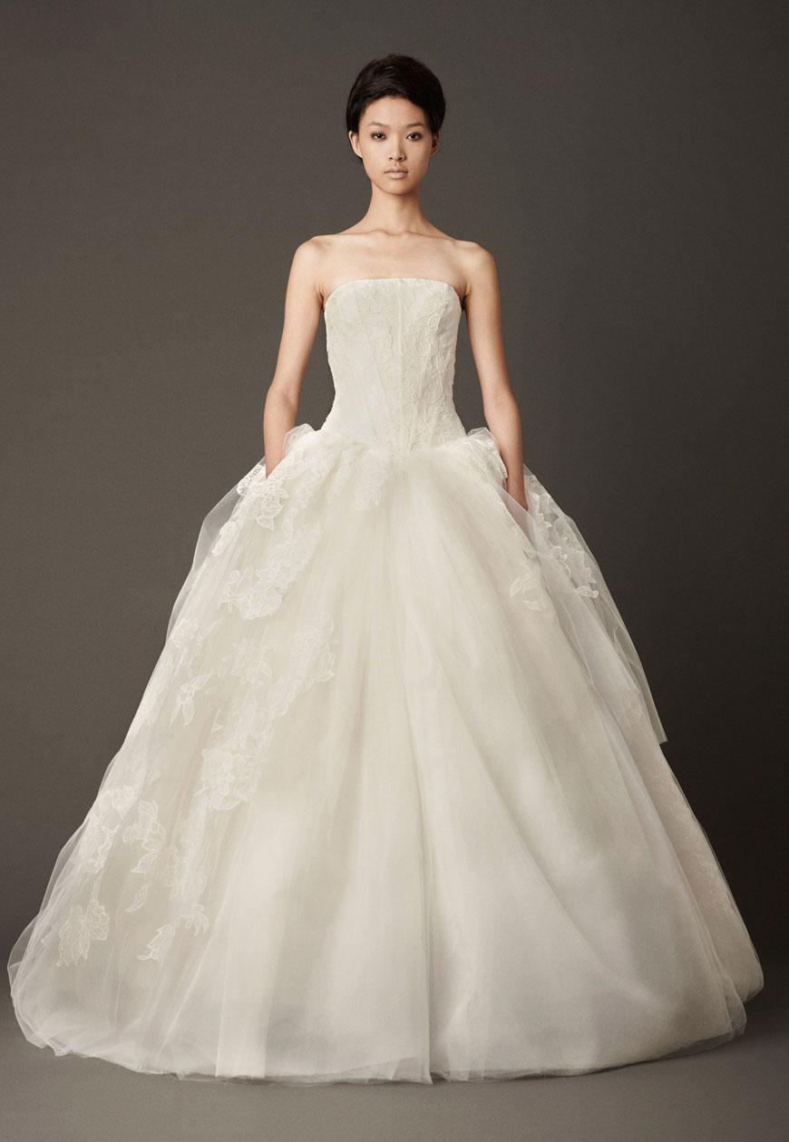 Neonscope classic bridal dresses by vera wang fall for Vera wang classic wedding dress
