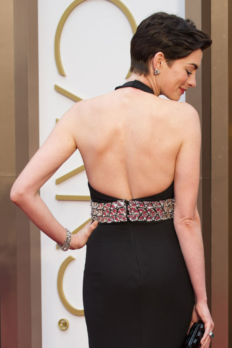 Anne Hathaway at the Oscars 2014