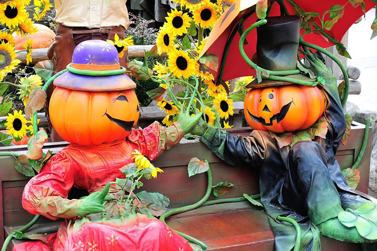 Disneyland Paris Halloween Decorations