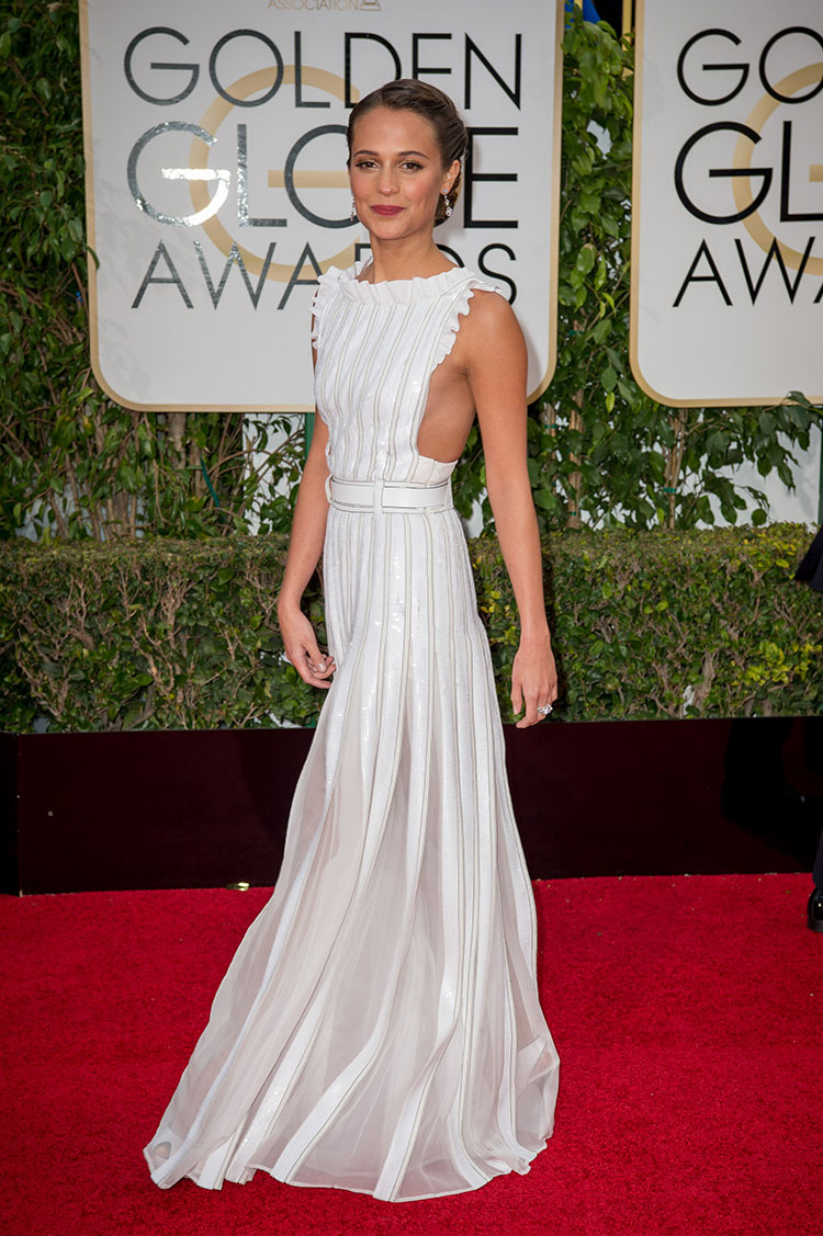 Alicia Vikander wearing Louis Vuitton at the 2016 Golden Globe Awards