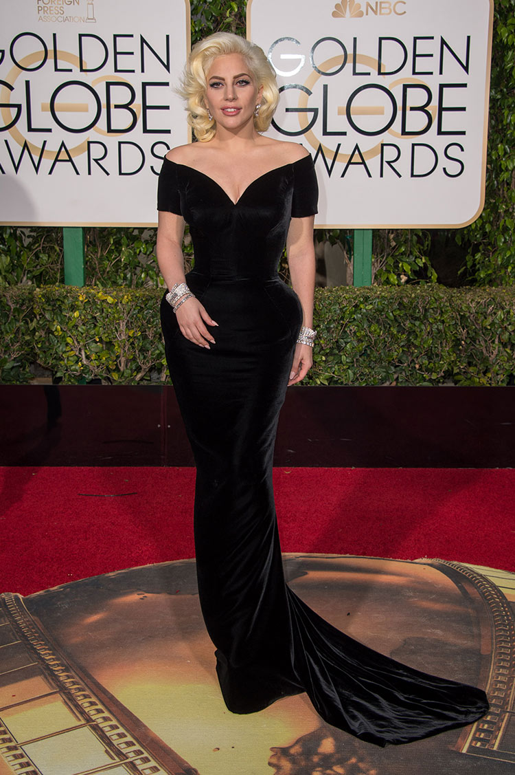 Lady Gaga wearing Atelier Versace at the 2016 Golden Globe Awards