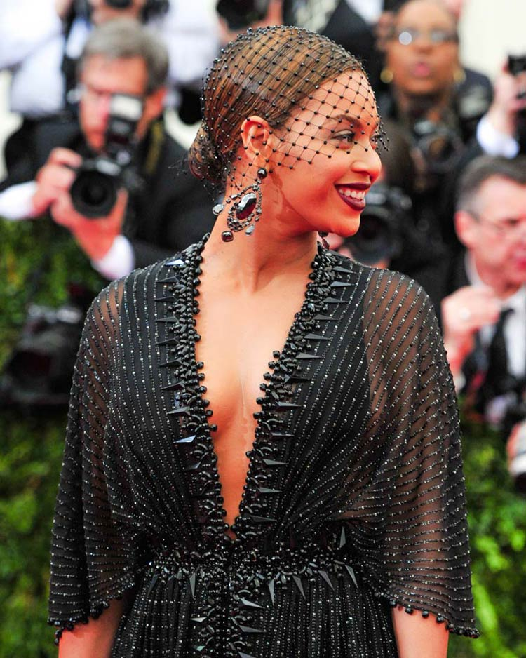 Beyonce at the MET Gala 2014