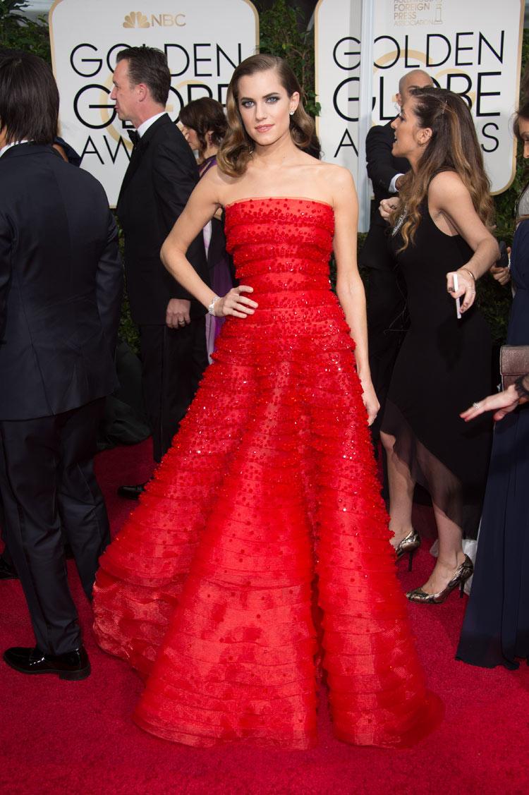 Allison Williams wearing Armani Privé at the 2015 Golden Globe Awards