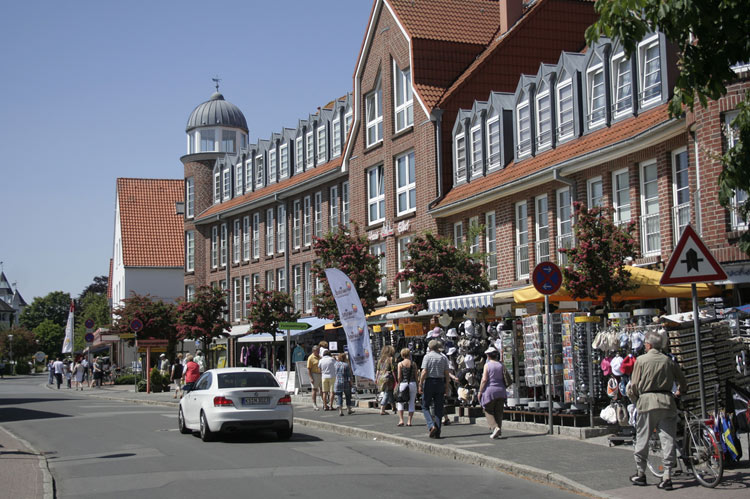 Tourist shopping area near the Cuxhaven shore
