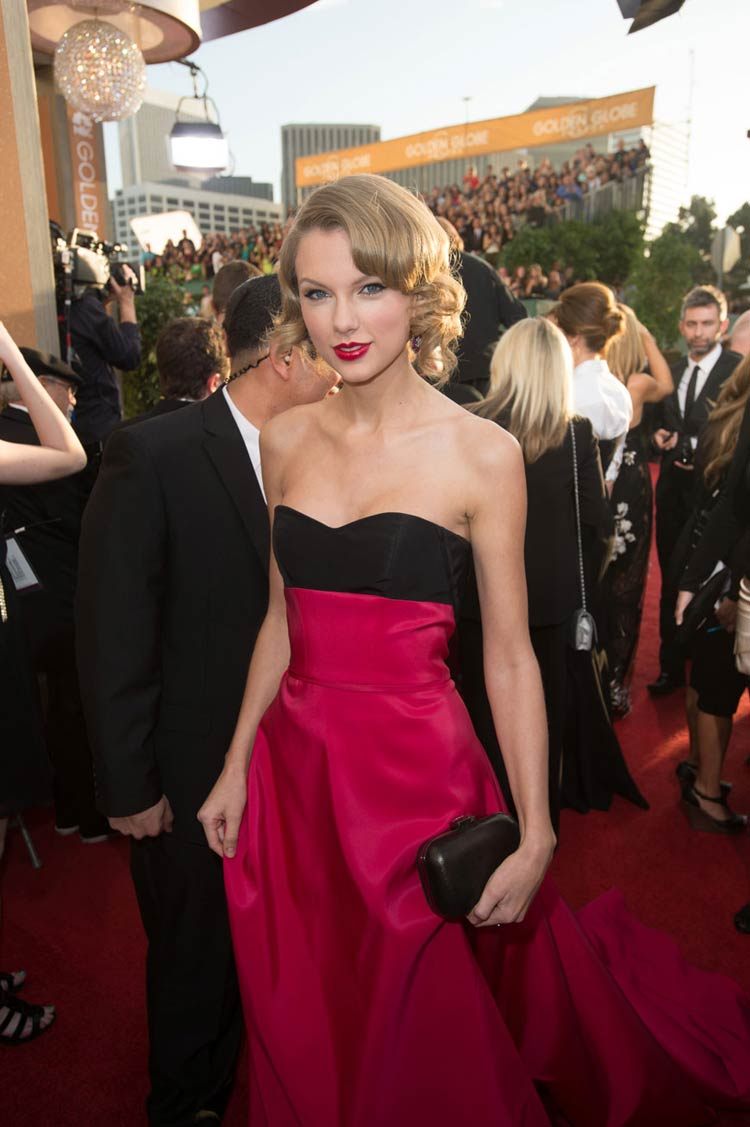 Taylor Swift in Carolina Herrera at the Golden Globes