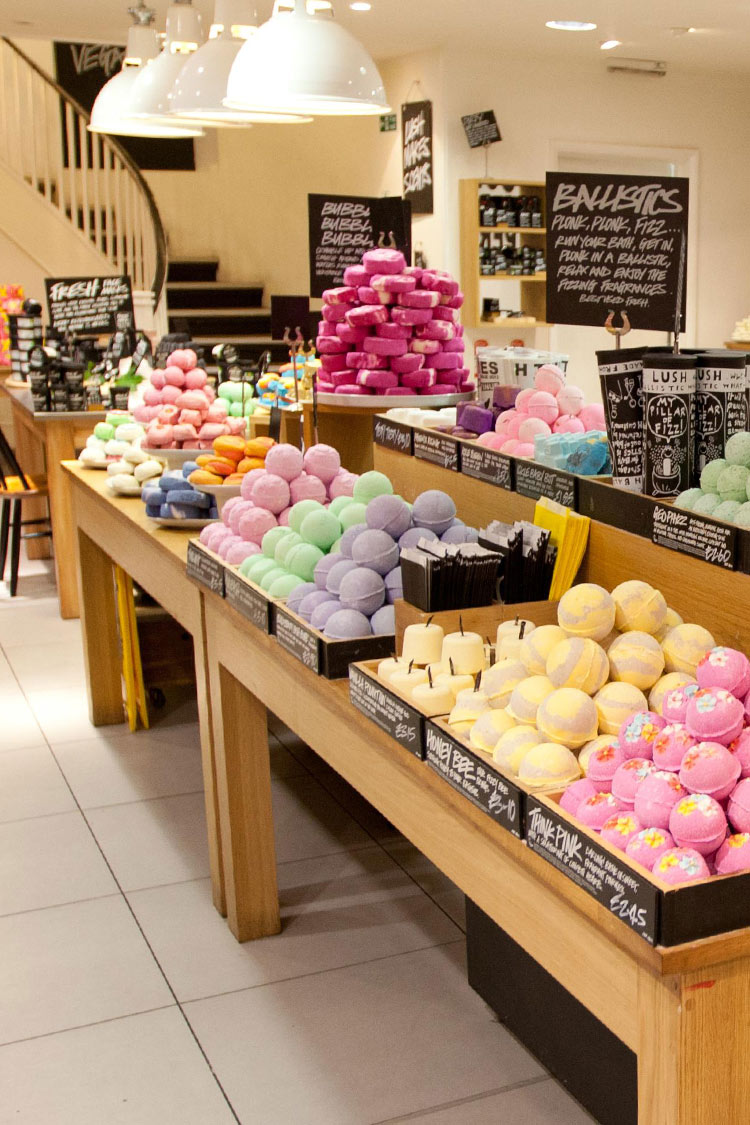 NEONSCOPE - Colors and Scents from the Lush Shop