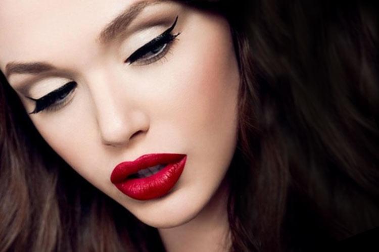 Diva makeup look
