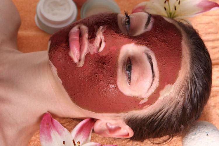 red clay is ideal for dry and sensitive skin