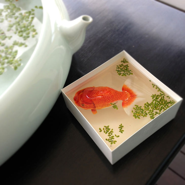 Extraordinary Resin Animals by Keng Lye