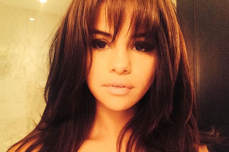 Selena Gomez with a cool bang