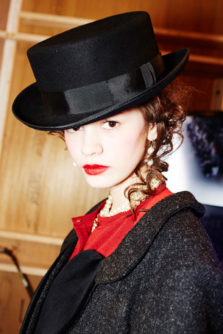 Backstage Vivienne Westwood Red Label Fall/Winter 2014/15