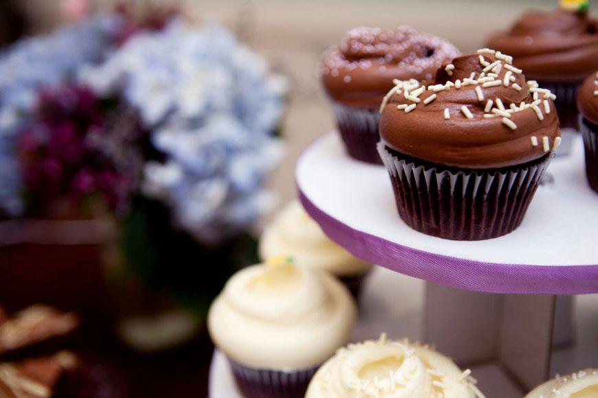 Magnolia Bakery chocolate and vanilla cupcakes