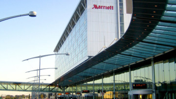 yul_marriott_hotel_-_u.s._departures_sector
