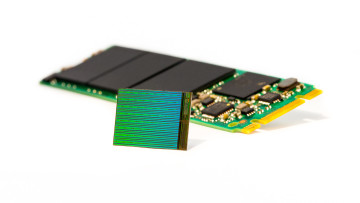 gum-sized_ssd_3d_nand