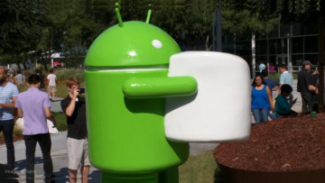 android-marshmallow-statue