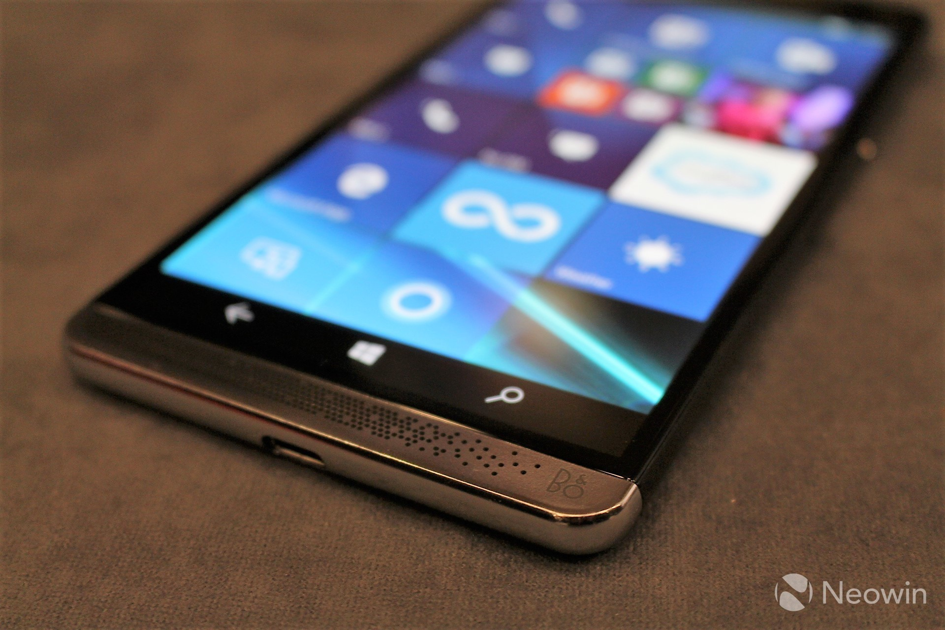 HP Elite x3 gets a mobile barcode scanner accessory - Neowin