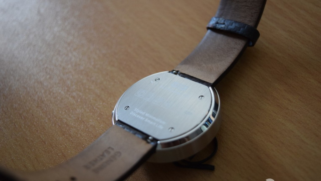 Meet the Elephone W2: An elegant, affordable quartz smartwatch