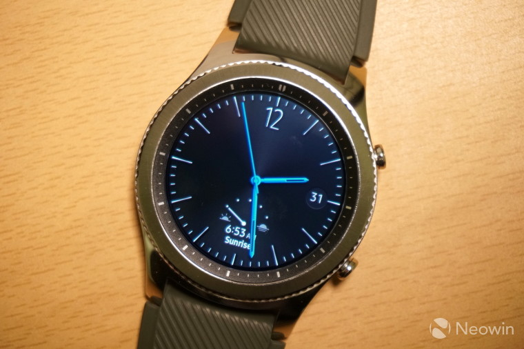 Samsung's new smartwatch could mix the Gear S3 and Gear Fit 2