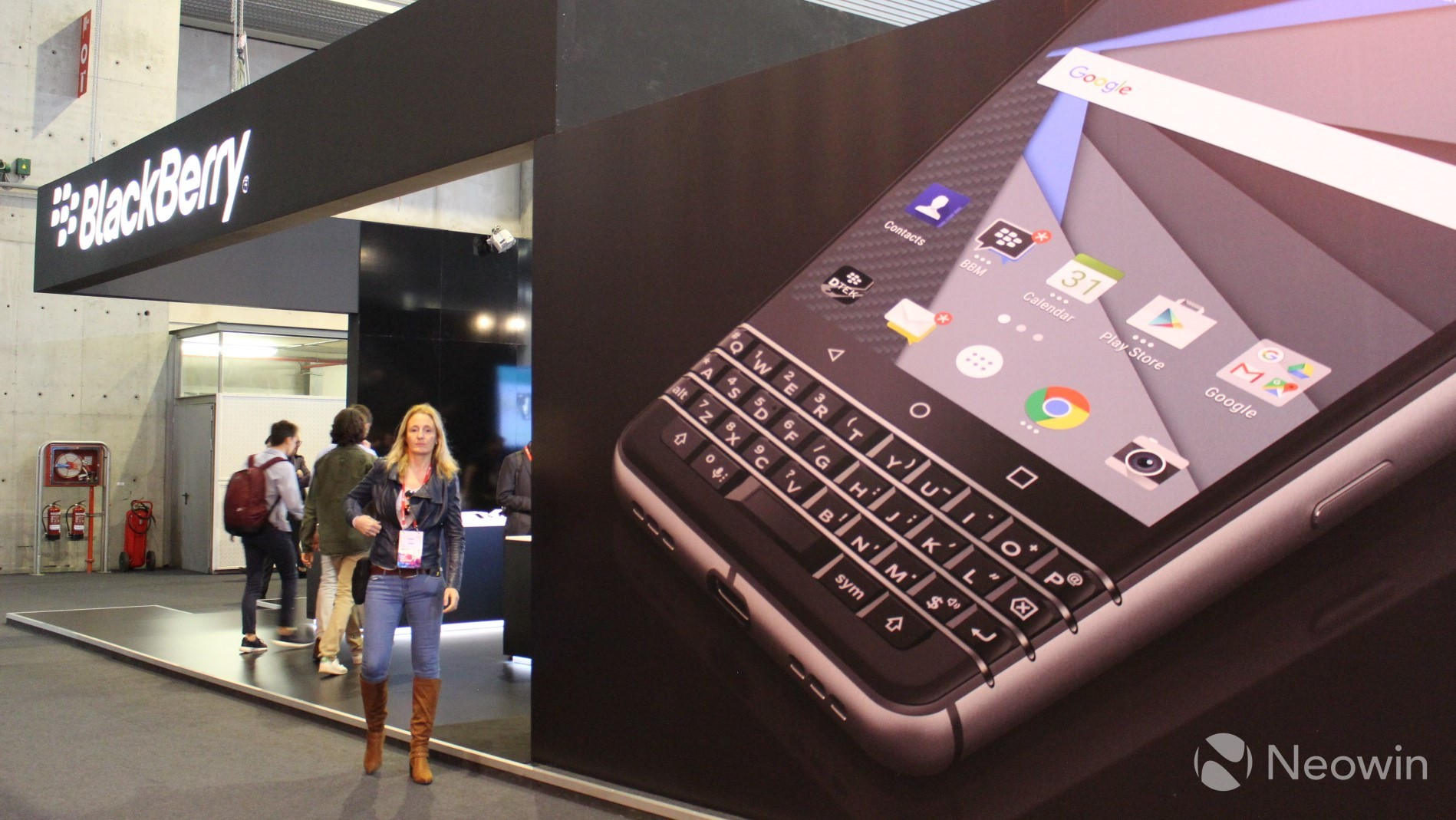 BlackBerry KEYone units with 'display pop out' fix now available