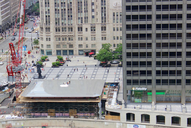 Chicago's Apple Store Roof looks like a Giant MacBook