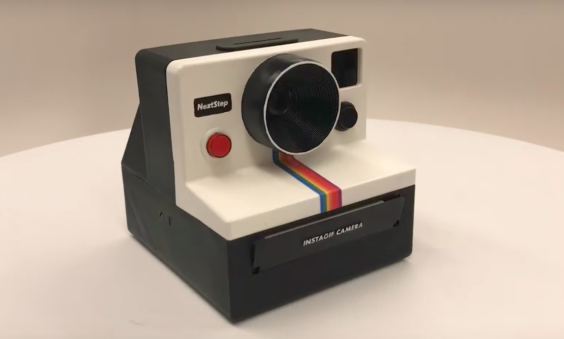 This Polaroid-like camera prints out GIFs instantly