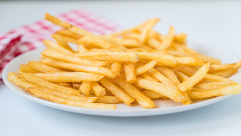 batata frita ma alimentacao