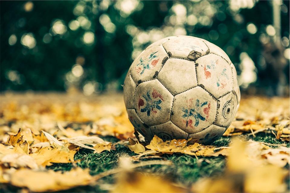 É goooool! Penalty lança Bola de Futebol feita de Garrafa PET 83dbe7dce96fb