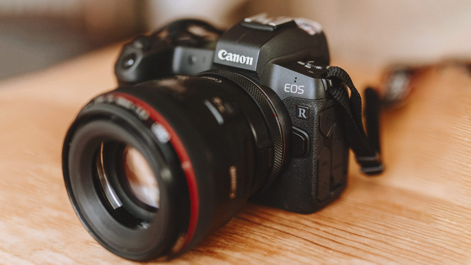 Canon EOS R Real World Review (Comparing to Canon 5D Mark IV)