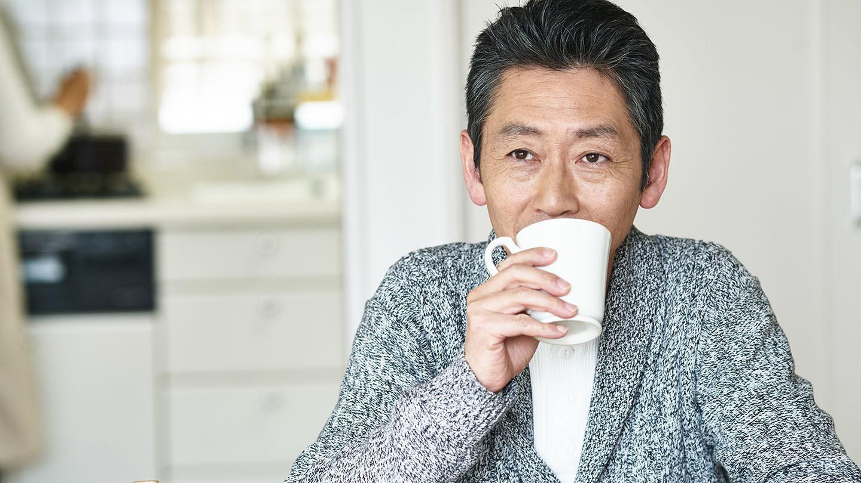 カフェインを摂取するタイミングと眠りの関係
