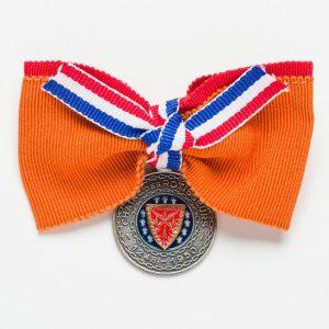 Chaîne-Bow-Medallion-orange-red