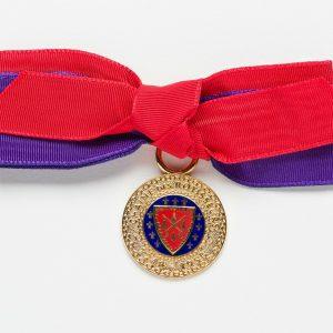 Chaîne-Bow-Medallion-purple-red