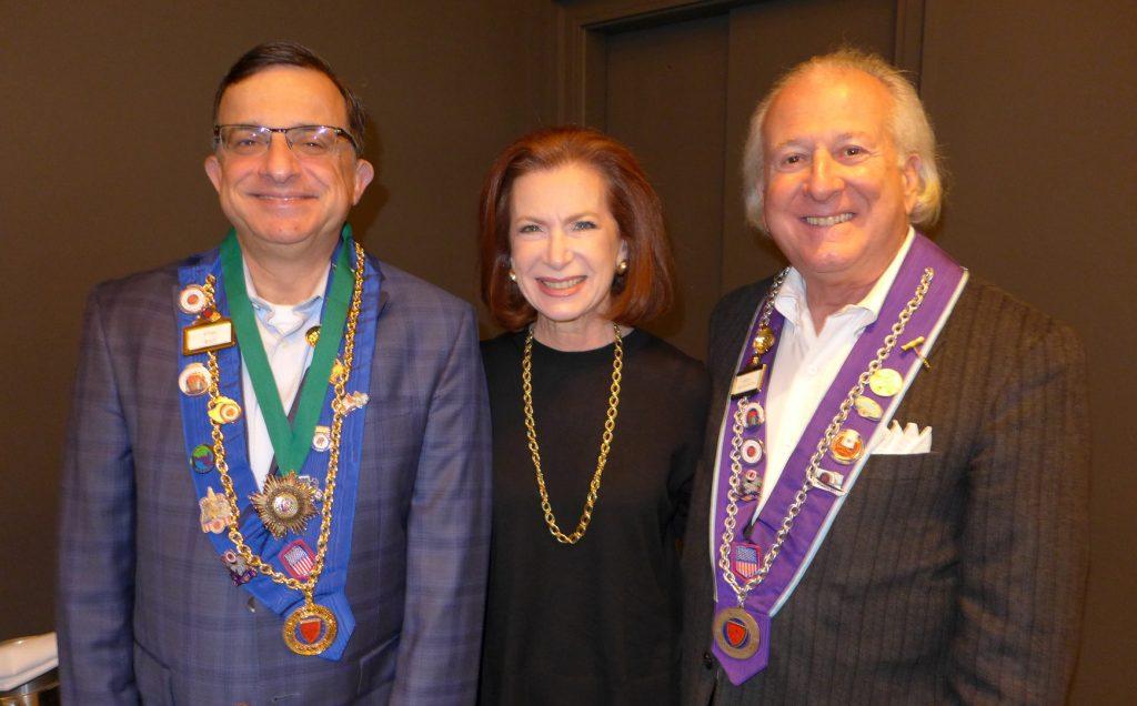 Vice Echanson de Societe Mondiale du Vin Eliav Barr, Lynn Levinson and Officier Leo Levinson