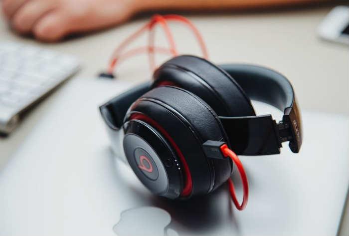 life pro tips - beats headphones