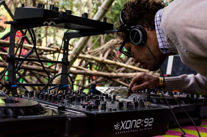 DJ - world music