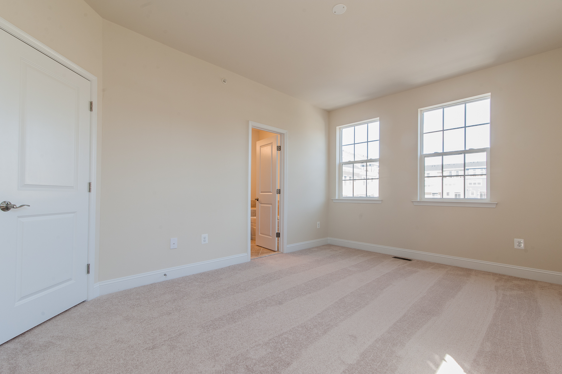 Additional photo for property listing at Towson Green-York Duplex 200 Meridian Lane Towson, Maryland 21286 United States