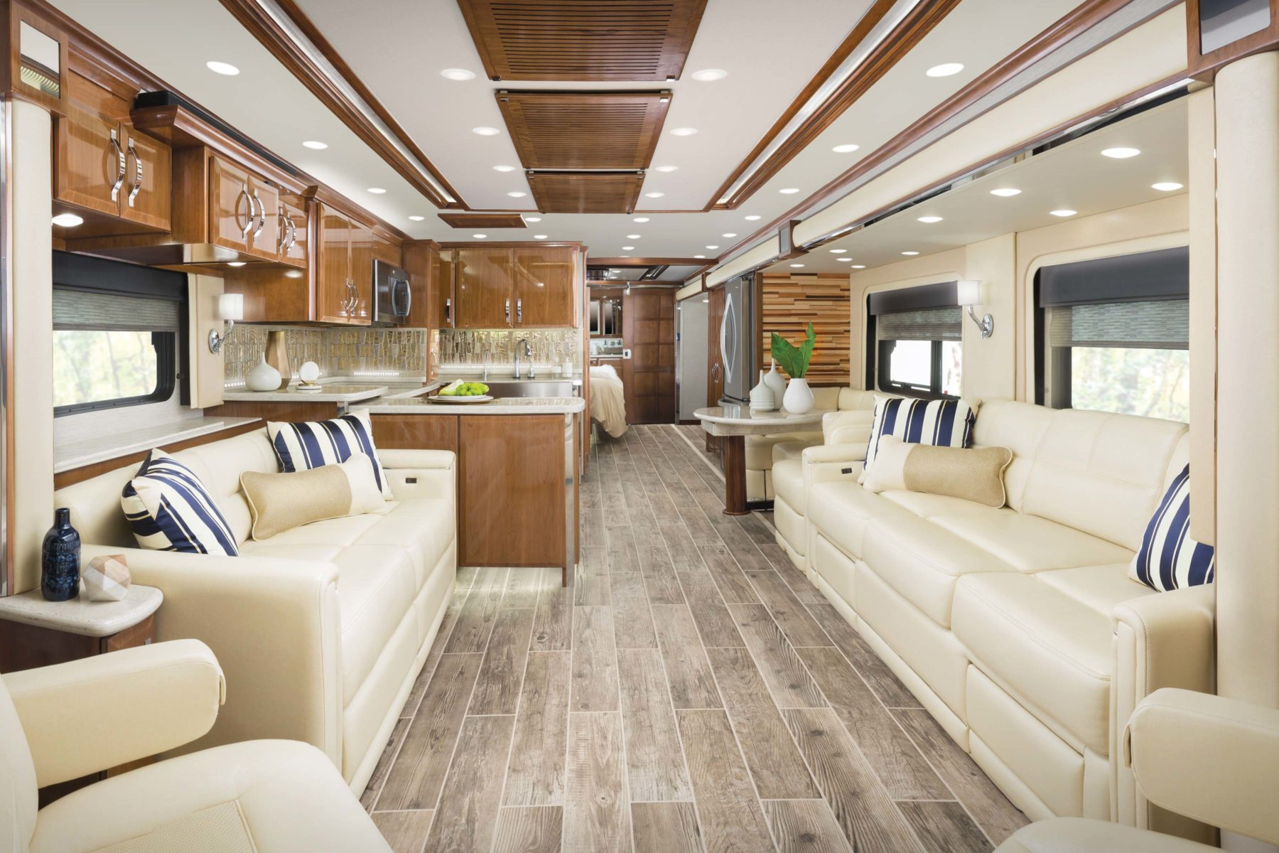 King Aire motor coach gallery | Newmar
