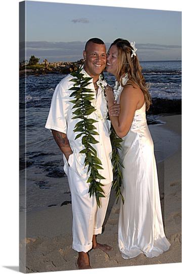 Hawaiian Wedding Photo to Canvas