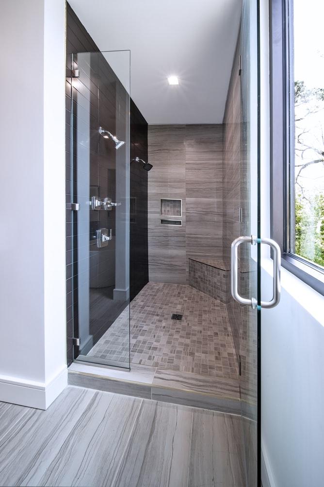 Non-slip tiles for bathroom