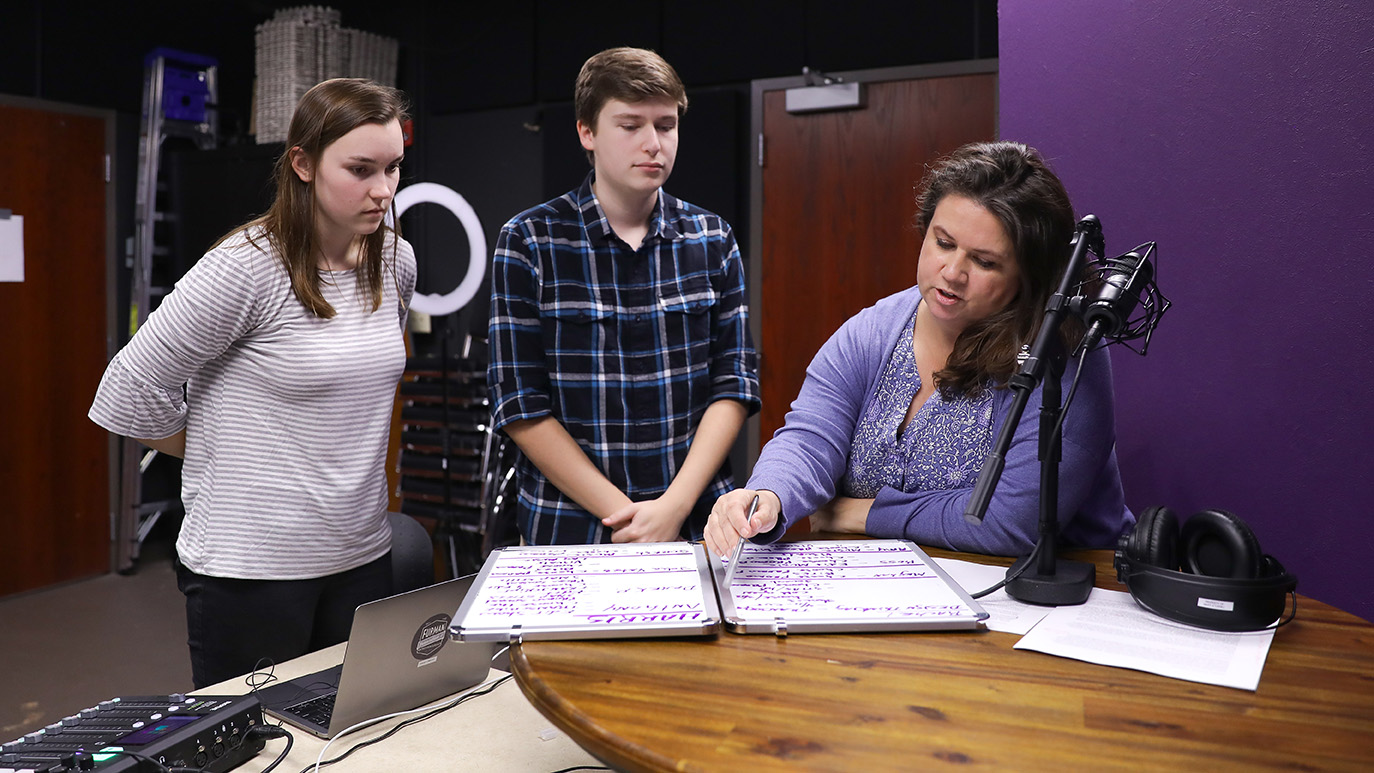 Producers Rachel Page '22 and Harris Wellborn '21 talk with The Class – E Podcast host Mary Sturgill.