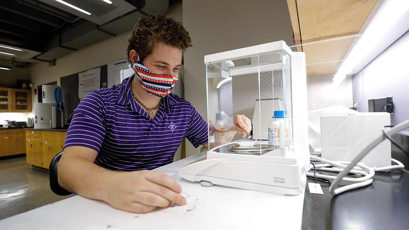 JohnPaul Sleiman '21 conducts research in Furman lab thanks to money from an S.C. Space Grant